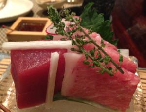 sashimi akami e chu toro